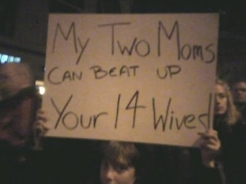 2-moms-beat-14-wives.jpg